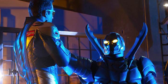 Los superhéroes Booster Gold y Blue Beetle, al cine