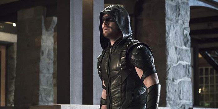 """Crítica de """"Arrow"""" (4×10: """"Deudas de sangre"""")"""