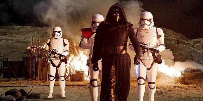"""""""Star Wars: El despertar de la Fuerza"""" supera a """"Titanic"""" en la taquilla USA"""